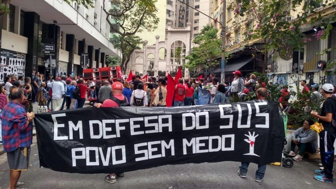 Governo Bolsonaro manobra para reduzir recursos e atendimentos do SUS
