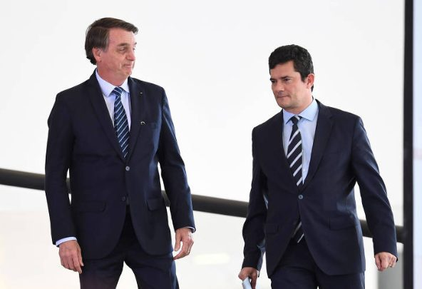 Bolsonaro tem semana decisiva em investigação que pode levar a seu afastamento do cargo