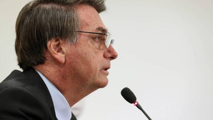 Bolsonaro barra motoristas de aplicativo e outras categorias em vetos à ampliação do auxílio emergencial